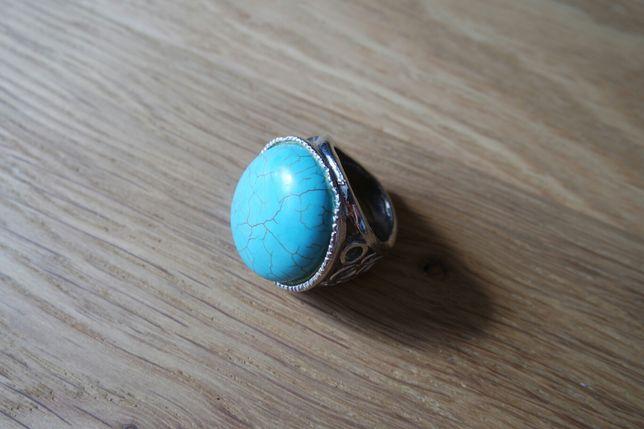 Duży pierścionek z turkusem
