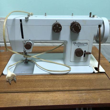 Швейна машинка Чайка