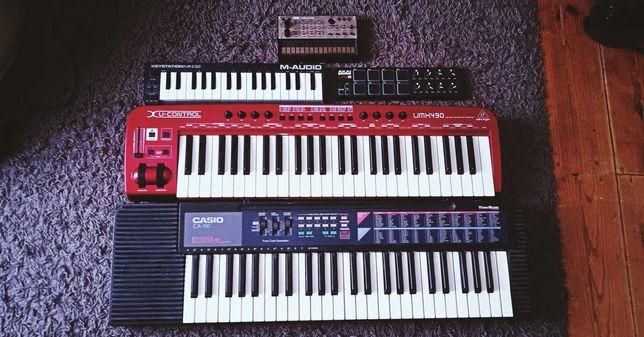 Equipamento de estúdio (teclados midi, sintetizadores)