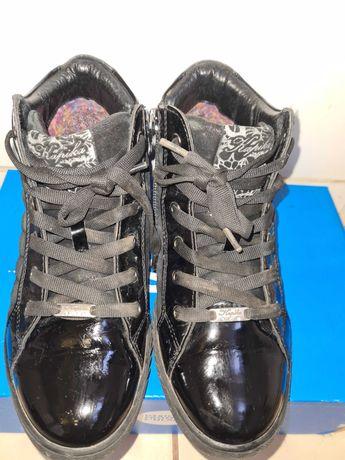 Ботинки демисезонные для девочки, лаковые. Kapika.