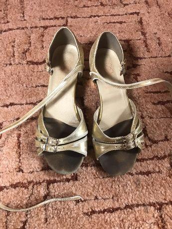 Продам туфли для танцив