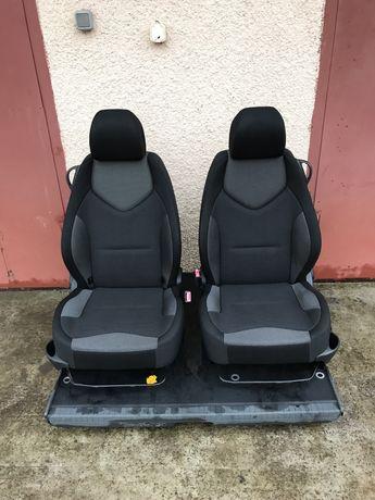 Сидения сидіння откидные отъездные Peugeot 308 на ваз08 нива таврию