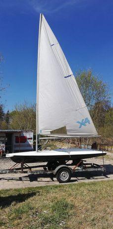 Jacht żaglowy Laser X4
