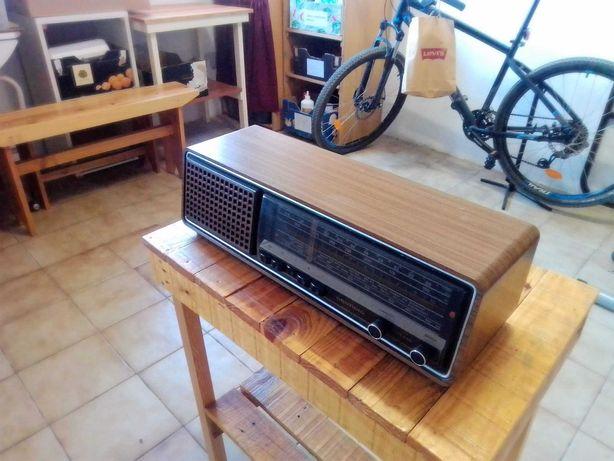 Rádio Grundig RF 420