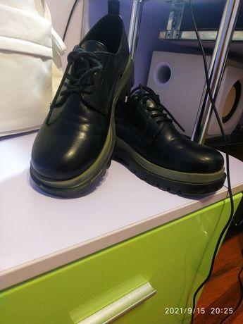 Туфли в хорошем состоянии 36 р.