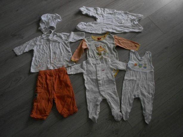 Wyprawka dla dziewczynki: ładne ubranka