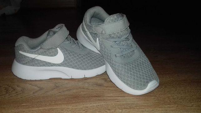 Buciki Nike Tanjun tdv