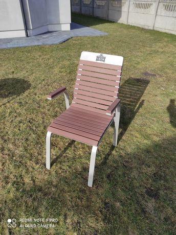 Krzesła i stół ogrodowy