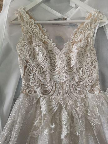 Suknia ślubna, biało srebrna, błyszcząca, WELON 3M GRATIS