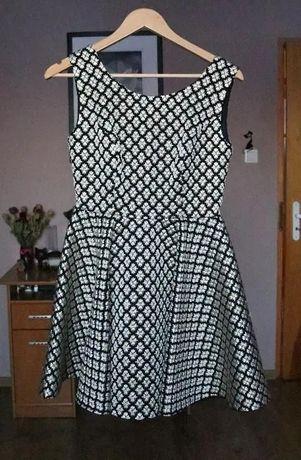 Czarna sukienka ze złotymi tłoczeniami Rozmiar S/M