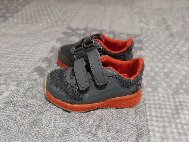 Buty jesienne, buciki, adidasy chłopięce rozmiar 23