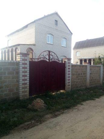 Продам двухэтажный недостроенный дом в Белозерке