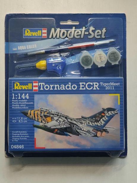 Revell model samolotu 04846 Tornado ECR skala 1:144