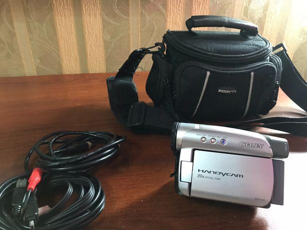Продам відеокамеру SONYDCR-HC27E