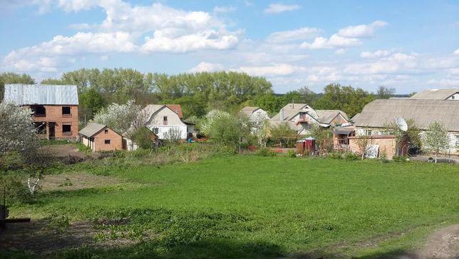 Земельна ділянка в краєвидному містечку