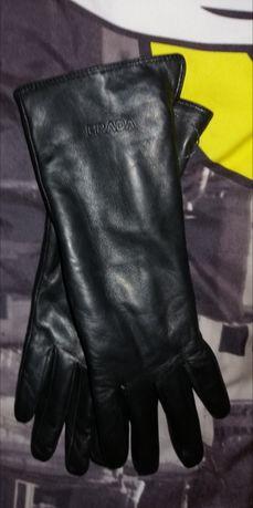 Prada made in Italy rękawiczki damskie skóra naturalna czarne prezent