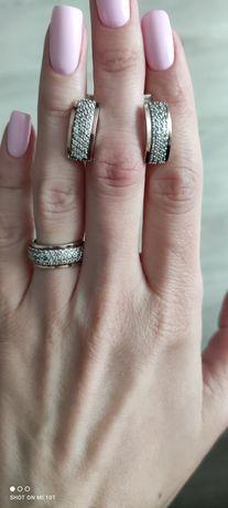 Серебряный набор(серьги,кольцо)