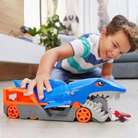 Хот Вилс акула транспортер Hot Wheels Shark Chomp Transporter Mattel