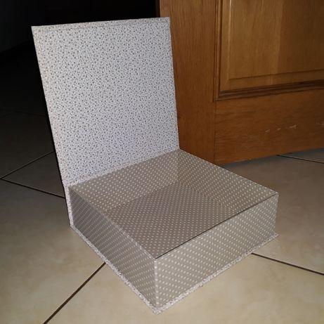 Caixa grande em cartonagem forrada a tecido, nova