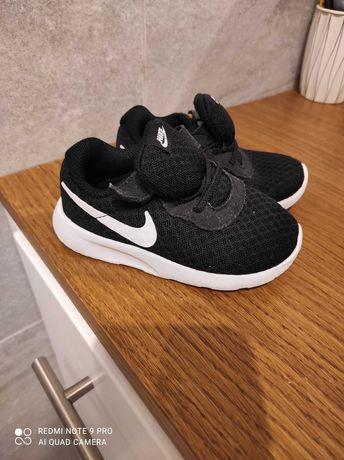 Nike tanjun rozmiar 23.5