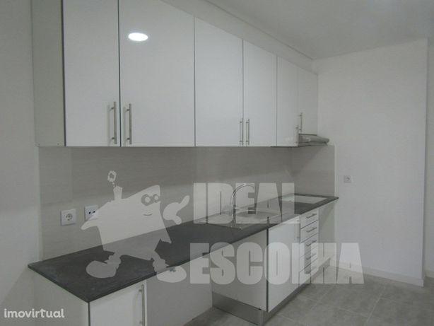 Apartamento T2 – Baixa da Banheira 94.000€