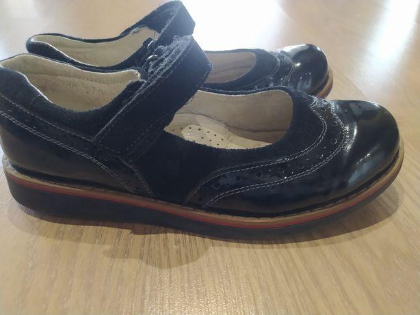 Туфли для девочки 34 размер, состояние новых
