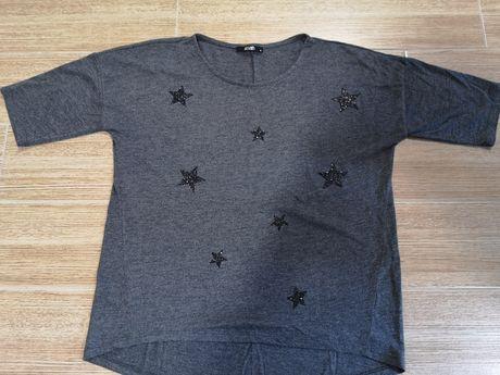 Szara bluzka z czarnymi gwiazdami M