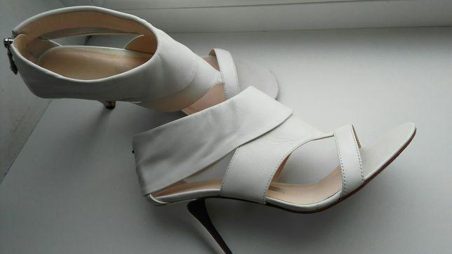 Кожаные босоножки, туфли 37- 37,5 р