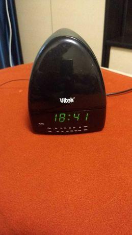 Часы, радио, будильник, лампа vitek