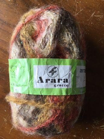 """Novelo """"Arara Gratté"""", tons castanhos, amarelos e tijolos, com lã"""
