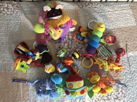 Іграшки дитячі на візок, у ліжечко lamaze playgro tiny love