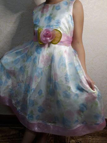 Нарядное красивое детское платье .7 лет 32 раз