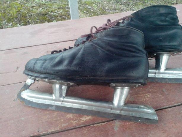 Коньки хоккейные производства СССР