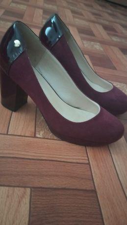 Туфли бордовые 37