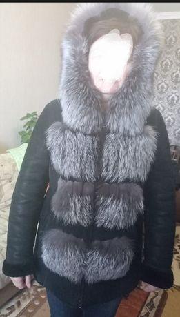 Продам натуральную дубленку(куртку) с мехом чернобурки