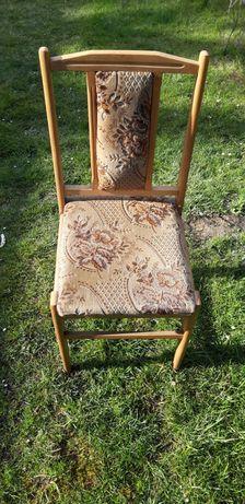 Krzesła pokojowe w dobrym stanie