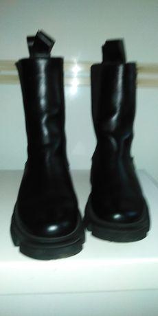 Жіноче взуття :Челсі високі