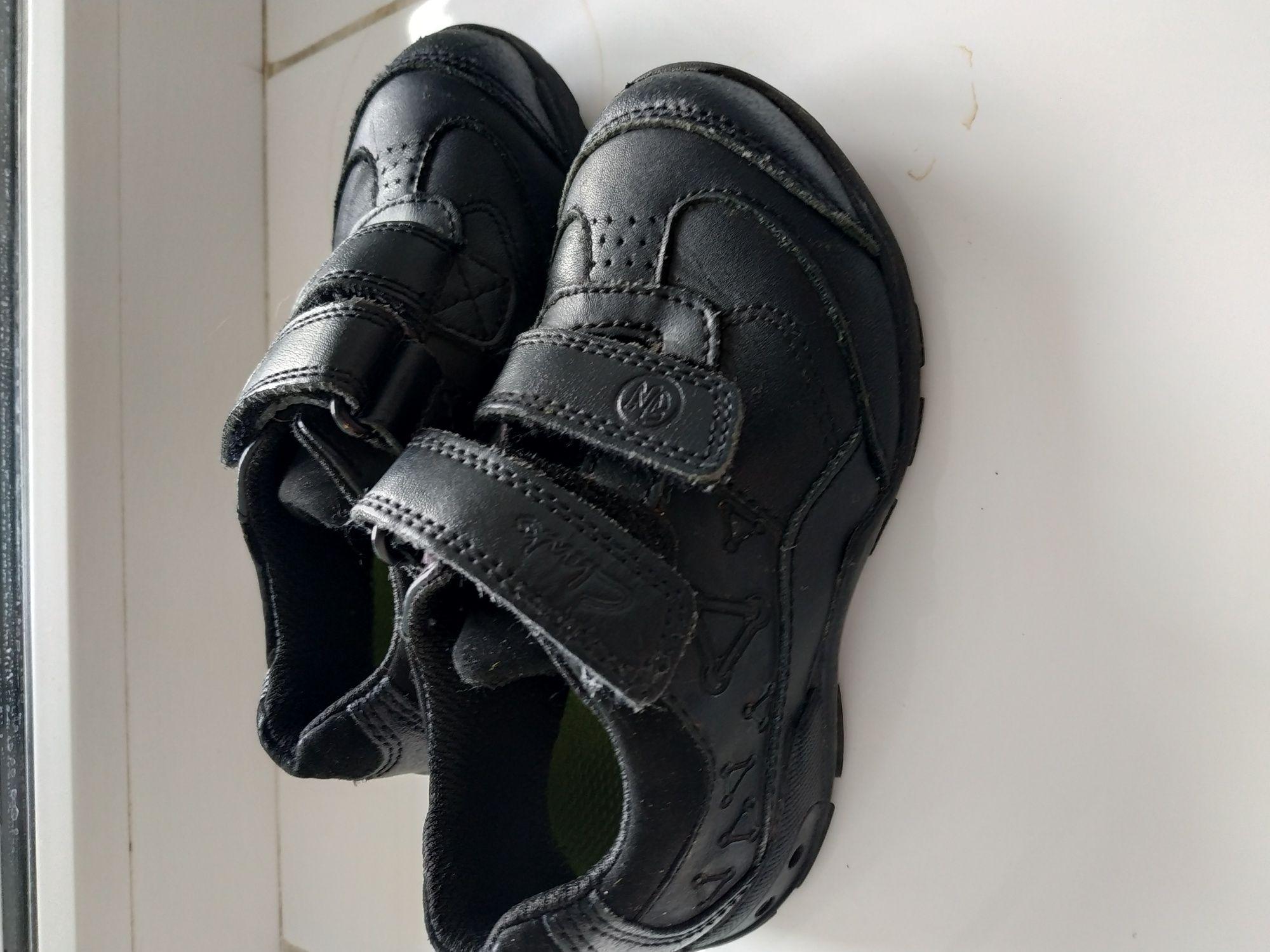 Кожанные кроссовки Clark's. Размер 23 (14 см).