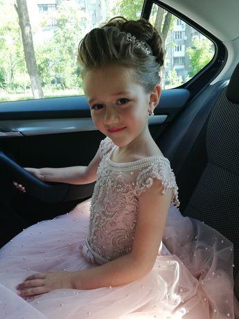 Нарядное Платье с ручной вышивкой