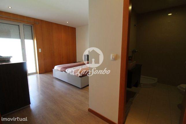 Apartamento T2 em condomínio fechado em Barcelos