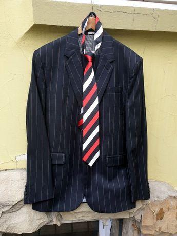 Продається шерстяний костюм