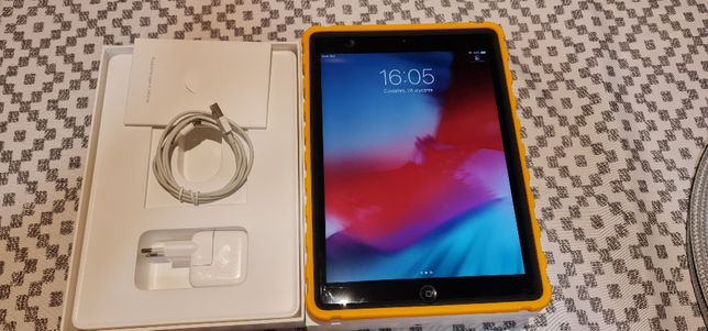 Tablet Apple iPad Air 16GB LTE WiFi Space Gray A1475 (MD791FD/A)