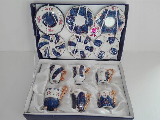 Conjunto de 6 mini chavenas + pires em porcelana