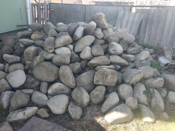 в с.Ямниця продається камінь річковий