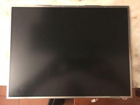 "Monitor LCD 15 "" portateis"