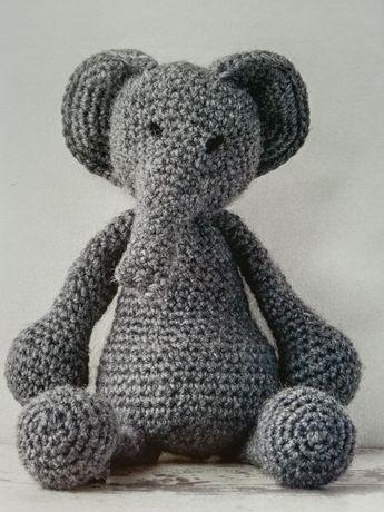 Вязанный слон игрушка