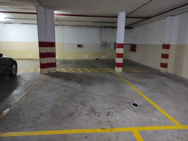 Fantastico Lugar de Garagem
