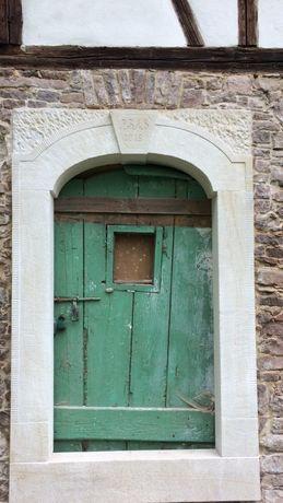 Portal z piaskowca