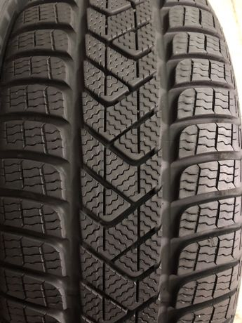 215/65/16 R16 Pirelli SottoZero 3 4шт зима