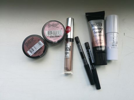 Тени Maybelline Nyx Essence